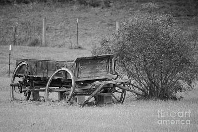 Photograph - Yesteryear's Wagon by Jennifer E Doll