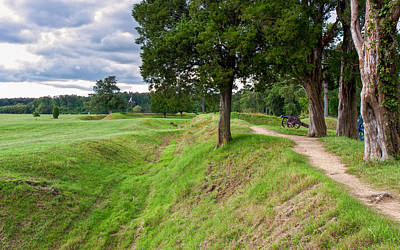 War Of Independance Photograph - Yorktown Battlefield Earthworks by John M Bailey
