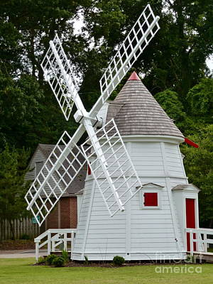 Photograph - Yorktown Windmill by Jean Wright