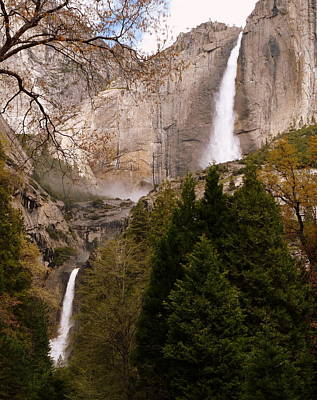 Photograph - Yosemite Falls Upper And Lower by Jeff Lowe