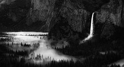 Yosemite National Park Wall Art - Photograph - Yosemite Spring by Rob Darby