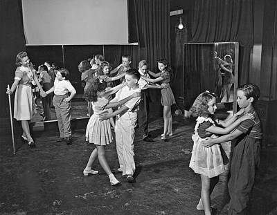 Young Child Actors In Hollywood Learning Folk Dancing At Their S Art Print by Underwood Archives
