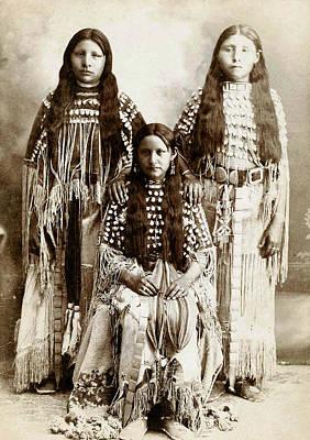 Young Kiowa Belles 1898 Art Print by Unknown