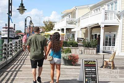 Photograph - Young Love On The Riverwalk by John Telfer
