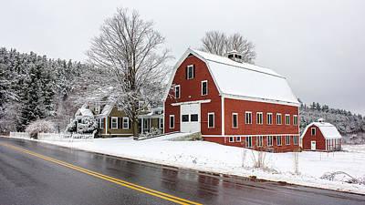 Maine Barns Photograph - Young's Corner Barn by Benjamin Williamson