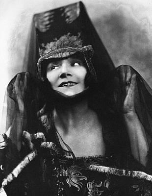 Yvette Guilbert (1867-1944) Art Print