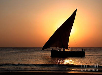 Zanzibar Sunset 22 Art Print by Giorgio Darrigo