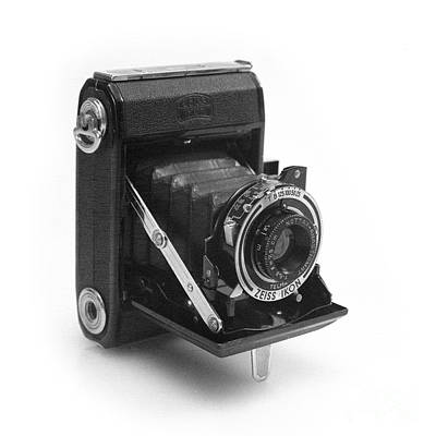 Photograph - Zeiss Ikon Nettar 515 by Paul Cowan