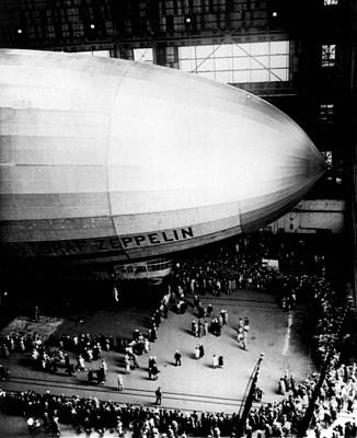 Zeppelin Gets A Crowd Art Print by Retro Images Archive