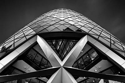 Abstract Skyline Wall Art - Photograph - Zigzag (the  Gherkin) by Ahmed Thabet