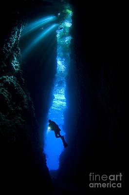 Its A Piece Of Cake - A Diver Explores The Lerus Cut by Steve Jones