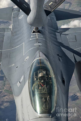 A U.s. Air Force F-16c Fighting Falcon Art Print by Giovanni Colla
