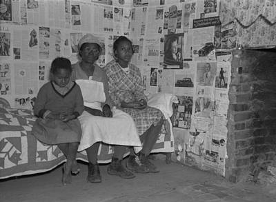 African American Mother With Her Two Art Print by Everett