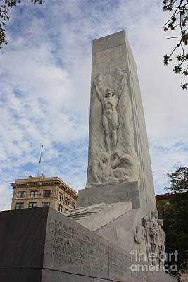 Photograph - Alamo Monument by Carol Groenen