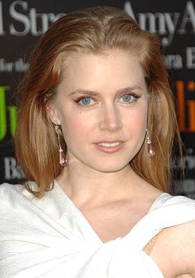 Amy Adams At Arrivals For Julie & Julia Print by Everett