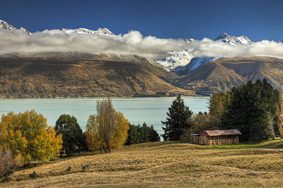 Mountain Range Photograph - Barn Near Lake Pukaki And Ben Ohau by Colin Monteath