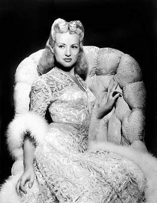 Colbw Photograph - Betty Grable by Everett