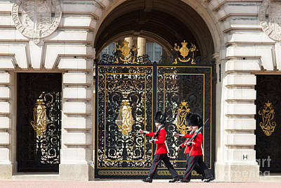 Buckingham Palace Photograph - Buckingham Palace Guards by Andrew  Michael