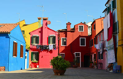 Photograph - Burano by Barbara Walsh