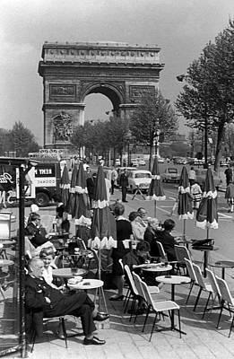 Bw France Paris Triumphal Arch 1970s Art Print by Issame Saidi