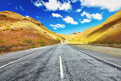 Giuseppe Cristiano - Cardrona valley road by MotHaiBaPhoto Prints