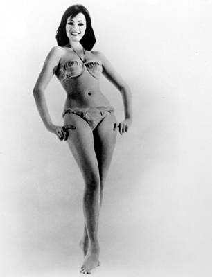 Cheesecake Shot Photograph - Christine Keeler, Early 1960s by Everett
