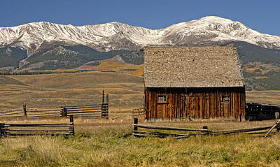 Woden Wall Art - Photograph - Colorado Barn by Dave Mills