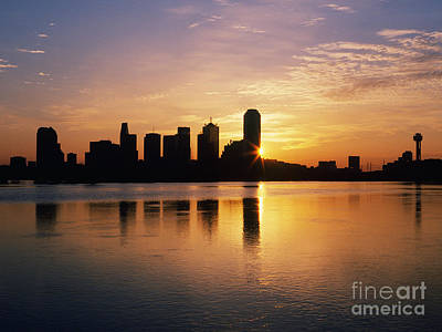 Office Space Photograph - Dallas Skyline At Dawn by Jeremy Woodhouse