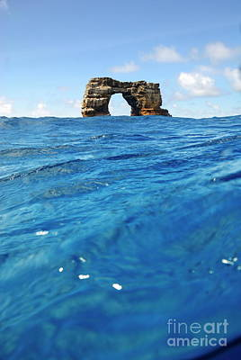Close Focus Nature Scene Photograph - Darwin's Arch By Sea Level by Sami Sarkis