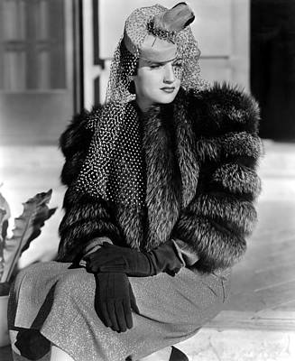 Fur Stole Photograph - Dorothy Lamour, Paramount Pictures, 1939 by Everett