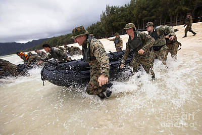 Inflatable Photograph - Force Reconnaissance Marines Sprint by Stocktrek Images