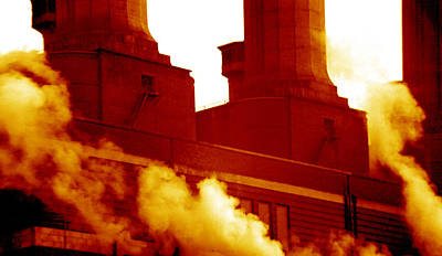 Fulham Photograph - Fulham Power Station by Victor De Schwanberg