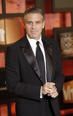 George Clooney At Arrivals For The Art Print by Everett