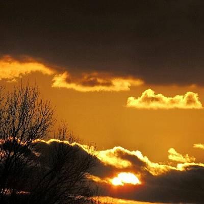 Sundown Wall Art - Photograph - Golden Sunset by Kelli Stowe