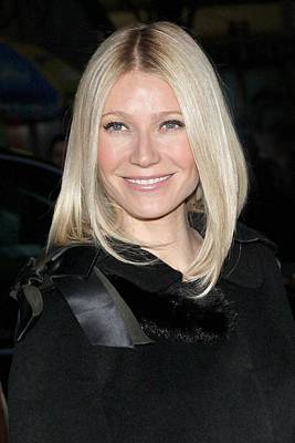 Gwyneth Paltrow Photograph - Gwyneth Paltrow At Arrivals by Everett
