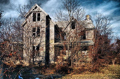 Photograph - House In Ruins by Trudy Wilkerson