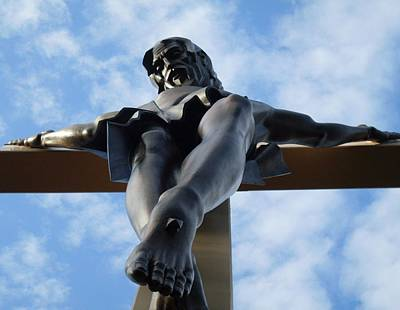 Photograph - Jesus On The Cross by Ted Kitchen