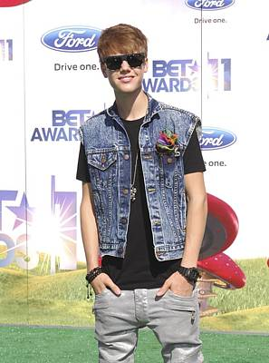 Justin Bieber At Arrivals For 2011 Bet Art Print by Everett