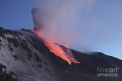 Photograph - Lava Flowing Into Valle Del Bove by Richard Roscoe