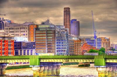 Buckingham Palace Digital Art - London by Barry R Jones Jr