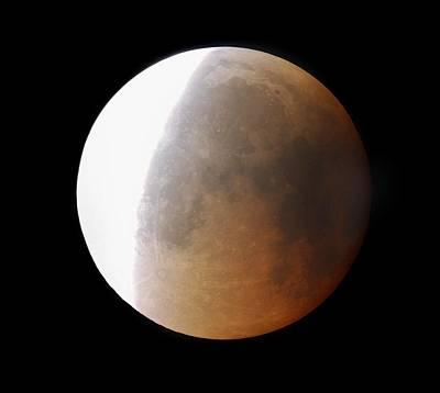 Lunar Eclipse, 28/08/2007 Art Print by John Sanford