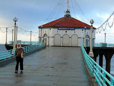 Photograph - Manhattan Beach Pier by Jeff Lowe