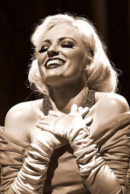 Photograph - Marilyn by Elizabeth Hart