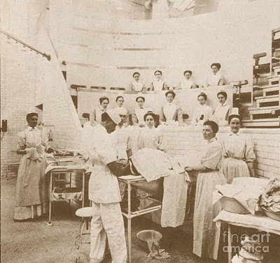 Photograph - Nurses Observing An Operation, 1899 by Science Source