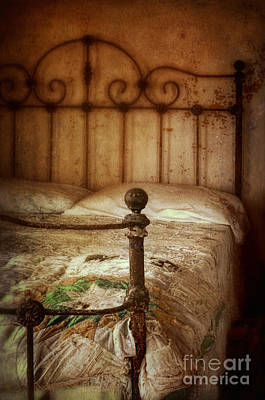 Bed Quilts Photograph - Old Iron Bed by Jill Battaglia