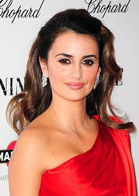 Penelope Wall Art - Photograph - Penelope Cruz Wearing Chopard Earrings by Everett
