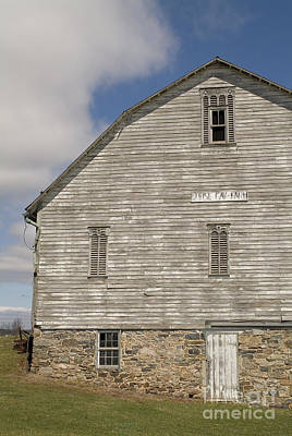 Barn Photograph - Pennsylvania Barn by David Ricketts