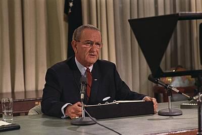 Lyndon Photograph - President Lyndon Johnson Announcing by Everett