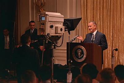 Lyndon Photograph - President Lyndon Johnson Televised by Everett