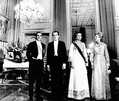 Mohammad Photograph - President Richard And Pat Nixon by Everett